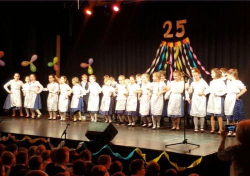 Sváb tánc 4.b